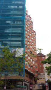 Instalación de fachada ventilada en Calle Vargas