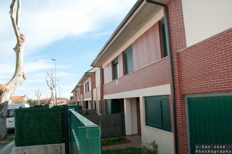 Construcción bloque de viviendas en Mortera